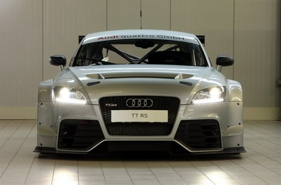Снимки: Задава се състезателна версия на Audi TT RS