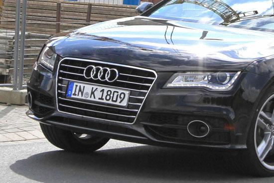 Снимки: Идва с пълна сила Audi S7