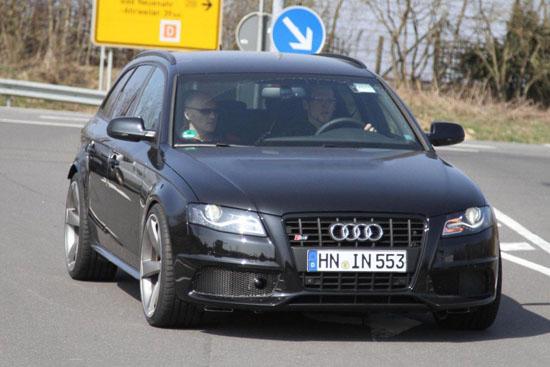Снимки: Папараци заснеха прототип на новото Audi RS4 Avant