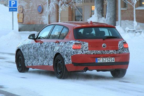"""Снимки: BMW напредва с тестовете на новата """"единичка"""""""
