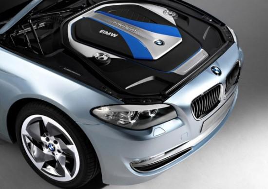 Снимки: Пазара на Китай очаква хибридна и доста дълга BMW 5-а Серия