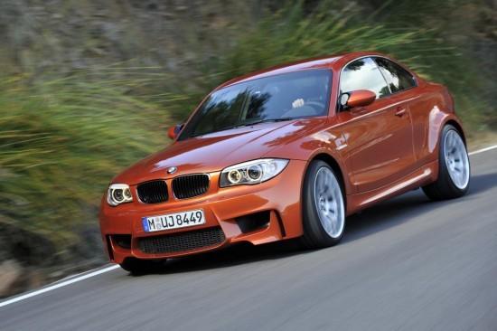 Снимки: BMW прави шпагат с малкия спортист 1M Coupe