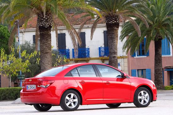 Снимки: Chevrolet подготвя дебюта на Cruze в Лос Анджелис