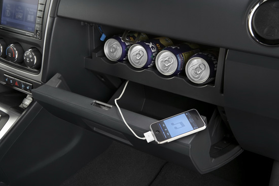 Снимки: Фейслифт за Dodge Caliber