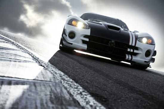 Снимки: Dodge извади супер-спортния Viper ACR-X