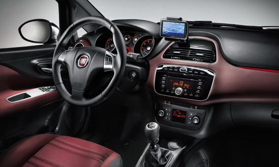Снимки: Напълно разкрит: Fiat Punto претърпя фейслифт