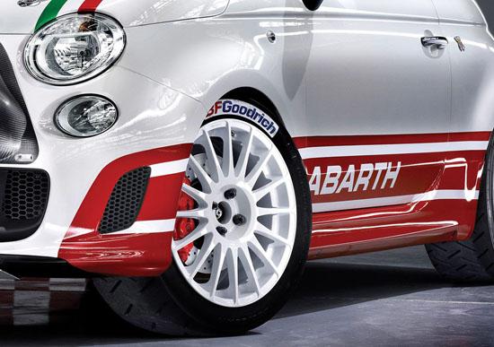 Снимки: Fiat и Abarth не оставиха на мира 500