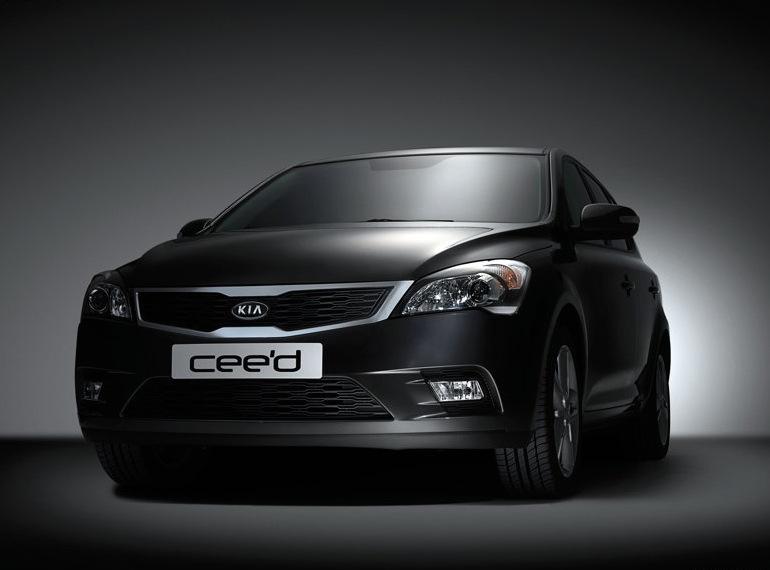 Снимки: Kia модернизира Ceed