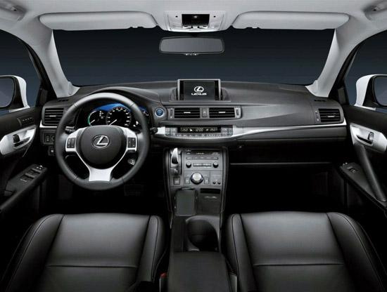Снимки: САЩ посреща Lexus CT 200h с голяма усмивка