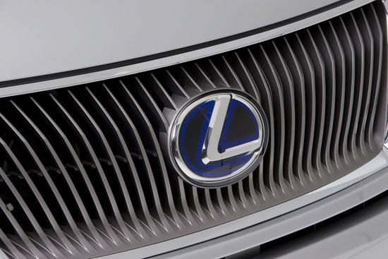 Снимки: Спортен хечбек от Lexus