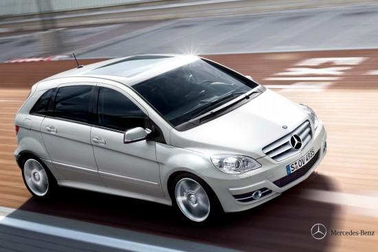 Снимки: Разберете кой е двойникът на Mercedes B-Class