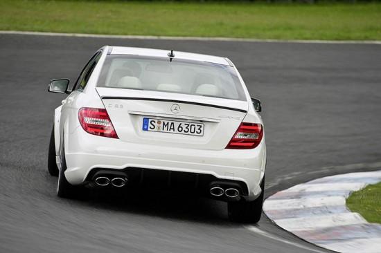 Снимки: Преди Женева: Обновения Mercedes C63 AMG