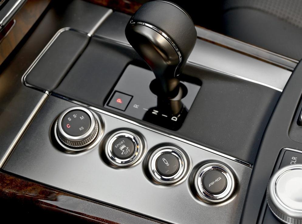 Снимки: Mercedes заменя 6.3 V8 с новия би-турбо 5.5 V8 при E63 AMG