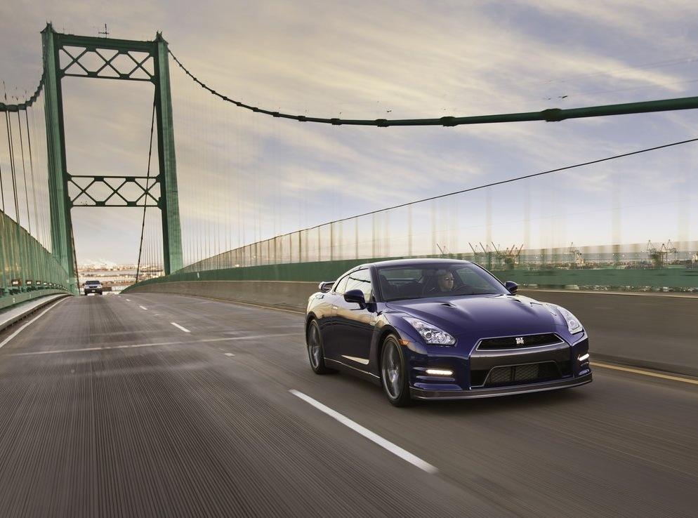 Снимки: Пазара на Северна Америка очаква модернизираният GT-R