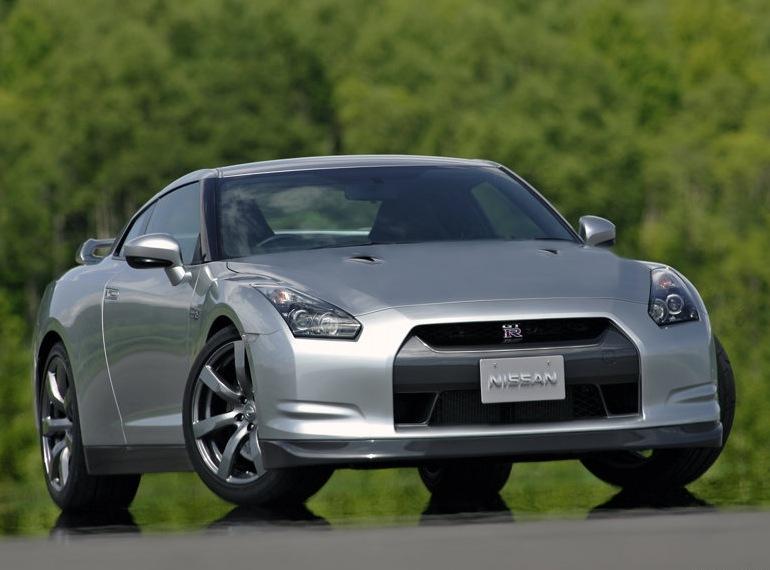 Снимки: Новости от Nissan за GT-R