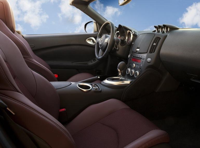 Снимки: Nissan показа и откритата версия на 370Z