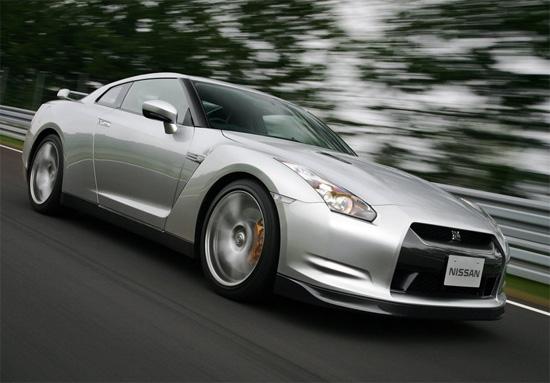 Снимки: Nissan GT-R постави ново време на пистата Нюрбургринг