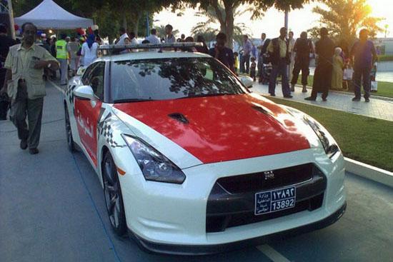 Снимки: Nissan GT-R ще патрулира в Абу Даби