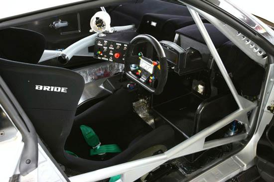 Снимки: Nissan показа GT-R направен специално за пистите