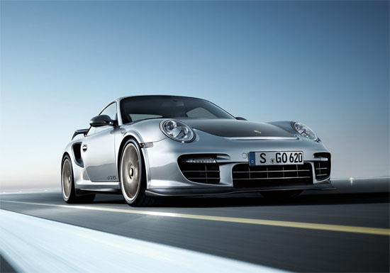 Снимки: Porsche сблъсква две епохи в Гудууд
