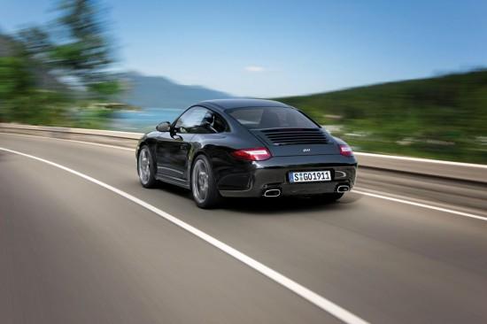 Снимки: Porsche лансира лимитирания 911 Black Edition