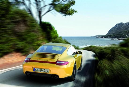 Снимки: Изисканото Porsche 911 Carrera 4 GTS (видео...)