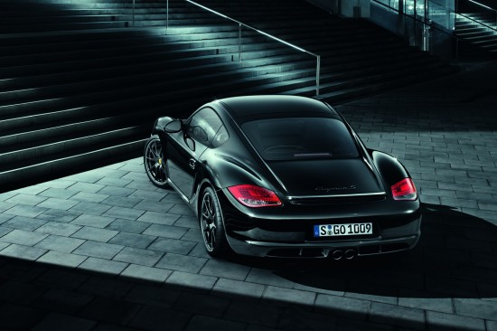 Снимки: Лимитирания Porsche Cayman S Black Edition е доста нахъсан