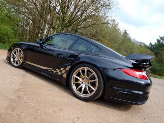 Снимки: Суперспортното Porsche 911 GT2 излезе от гаража на Kubatech