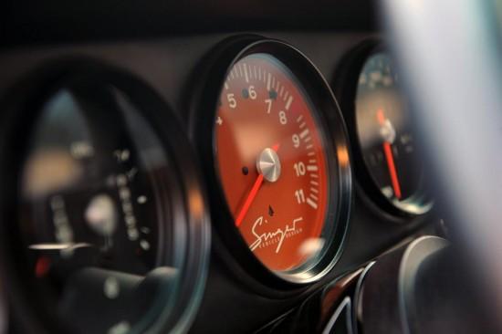 Снимки: Singer 911 не може да определи от кое време идва . . .