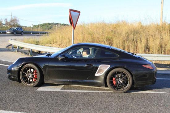 Снимки: Премиерата на най-новото Porsche 911 наближава