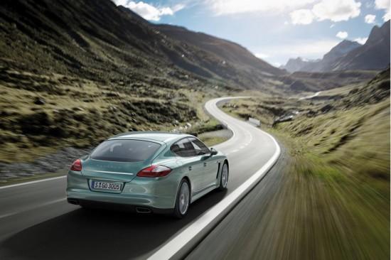 Снимки: Porsche лансира супер ефективната Panamera Diesel