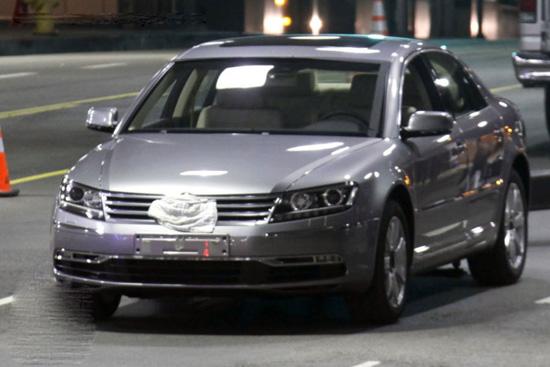 Снимки: Volkswagen свали камуфлажа от 2011 Phaeton