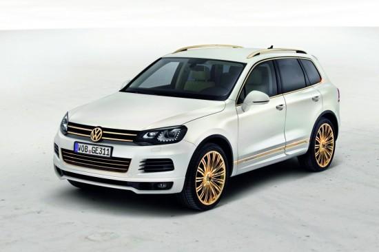Снимки: В Катар представиха две ексклузивни разновидности на VW Touareg