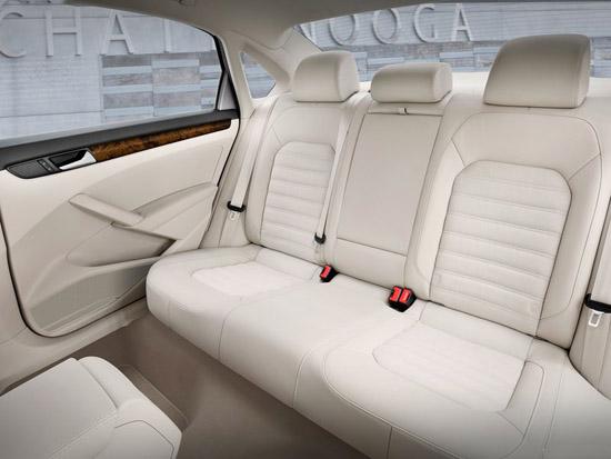 Снимки: VW дебютира изцяло новия Passat за Америка