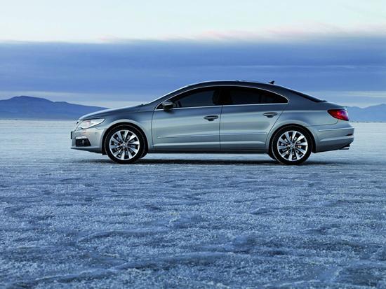 Снимки: Volkswagen ще направи Passat CC още по-практичен
