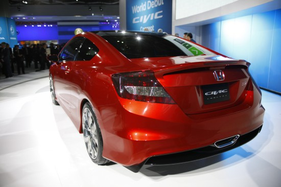 Снимки: Детройт 2011: Honda загатва бъдещето на Civic
