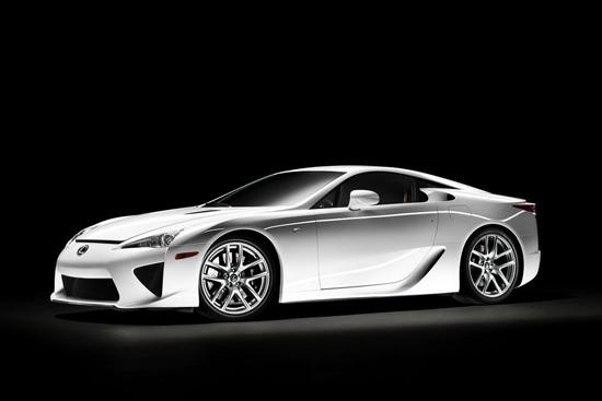 Официално: Lexus пуска серийния LF-A