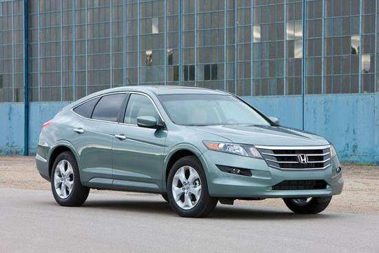 Honda сатртира продажбите на Accord CrossTour