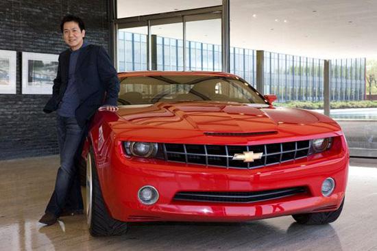 Дизайнерът на Camaro бяга да работи при Volkswagen