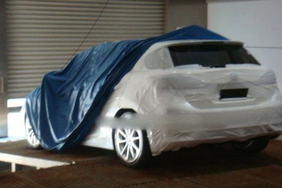 Заснеха серийната версия на Lexus LF-Ch