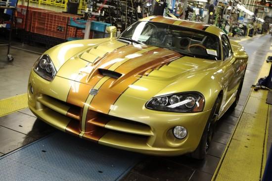 От конвейера слезе последният Dodge Viper