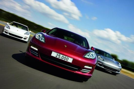 25,000 бройки от Porsche Panamera