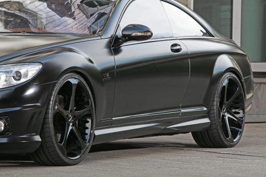 Един необикновен черен CL 65 AMG