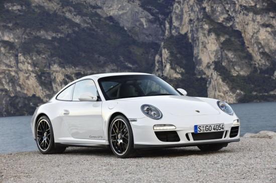 Porsche лансира скандалния 911 Carrera GTS