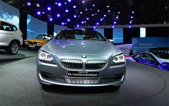 """""""Живи"""" снимки на елегантния концепт на BMW за Париж 2010"""