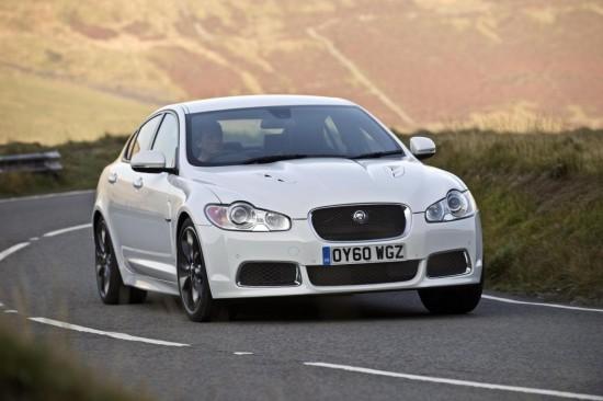 Jaguar XF получи нов чар, благодарение на Black Pack