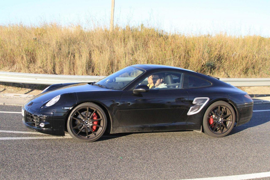 Премиерата на най-новото Porsche 911 наближава