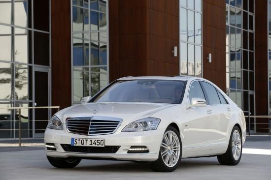 Mercedes-Benz с повече хибриди до 2014 година