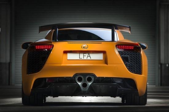 Lexus оборудва свръх-спортния LFA с Nurburgring пакет
