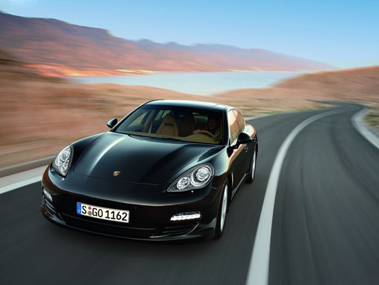 Porsche изпитва жажда за нов модел - малка Panamera?